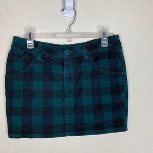 H&M- Green Plaid Mini Skirt size 6